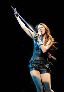 Miley Cyrus Wonder World tour LA 2009